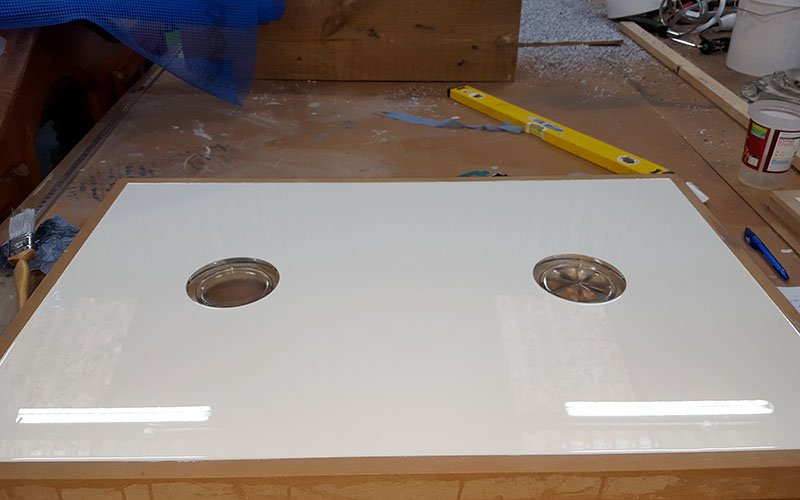 Glass inset